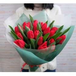 Букет из 19 тюльпанов № 47