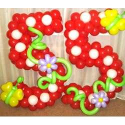 Цифра с бабочкой и цветами 3