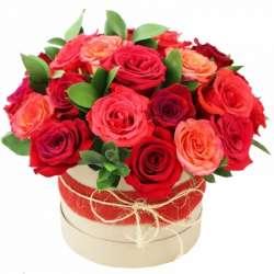 Композиция цветов в коробочке № 1