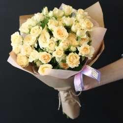 Букет из 7 кустовых роз № 42